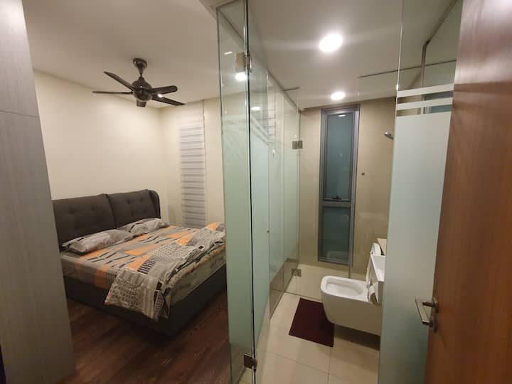 Comfy Room w Private Bathroom @KL Heart @TheFennel