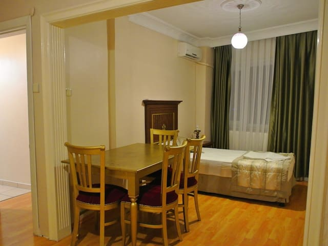 Single 2 Bed in Dormitory Room Age 18-40 - Emirhan Guest House Hostel