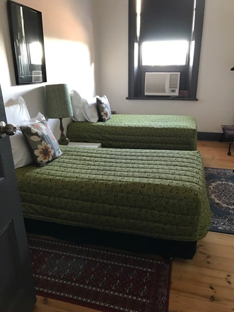 Guesthouse Twin single room - Shared bathroom