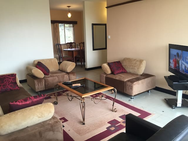 2 bedroomed Furnished Apt - Kampala - Appartement