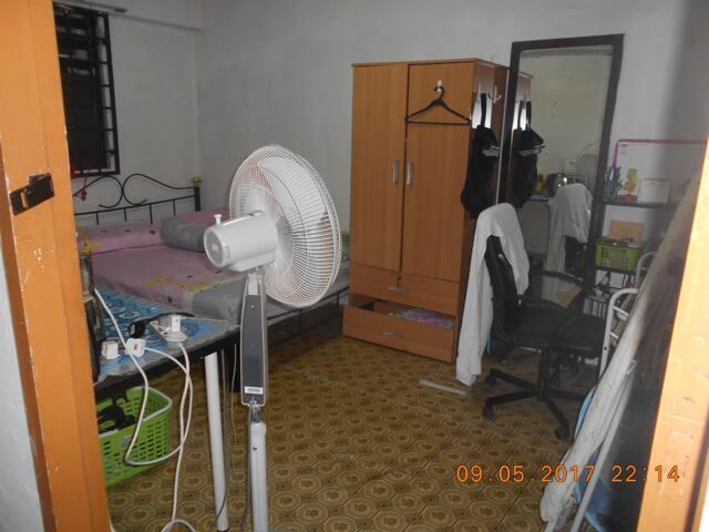 Single Bed Room,  < 5 mins to Tanjong Pagar MRT