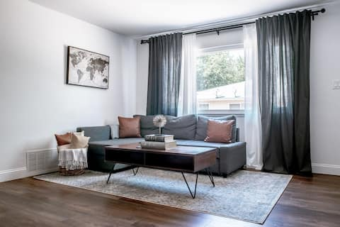 Fresh & Cozy Home For Adventurers & Professionals