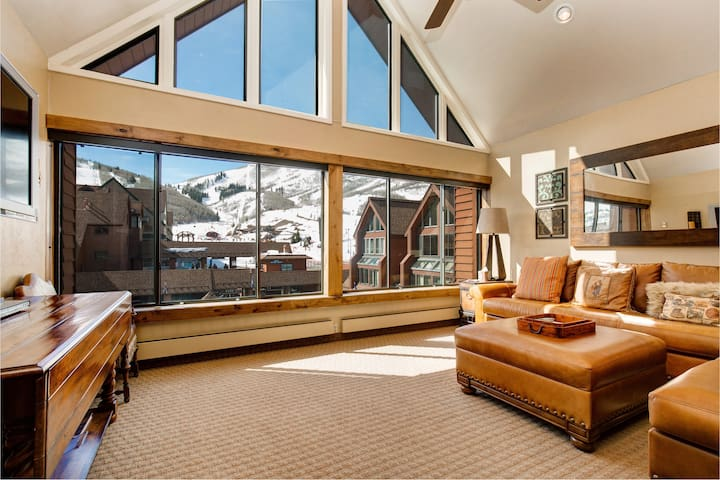 Slope-Side 3BR at Mt. Village, Next to Chairlift