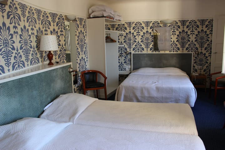 Private rooms in Saint-Germain-des-Pres Paris 6