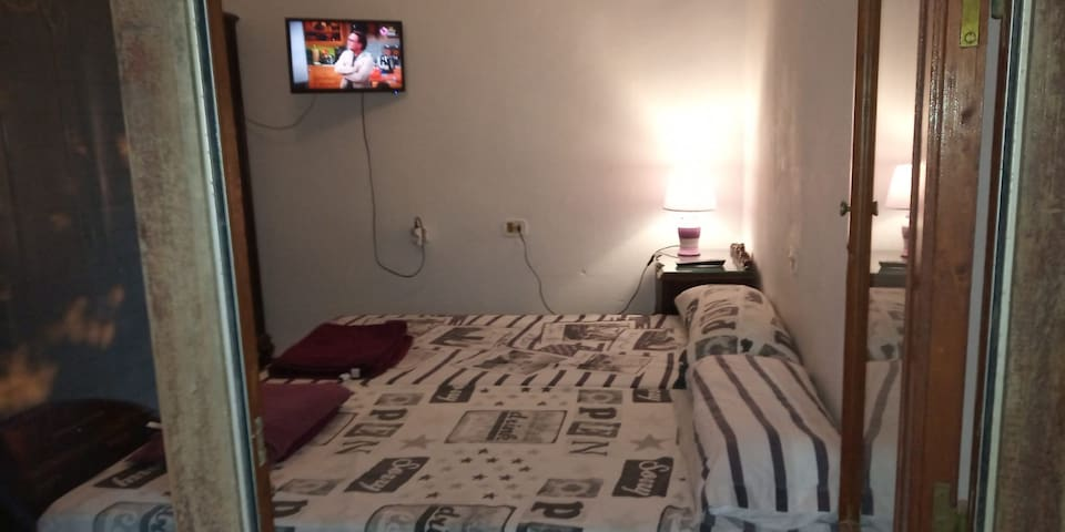 Doublroom,priv.Bath,Tv,Terrace,wifi