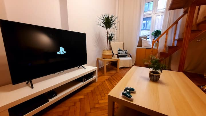 Concept apartment, very center, PS4