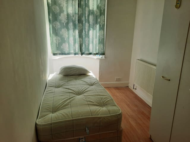 Single room 91 Central london