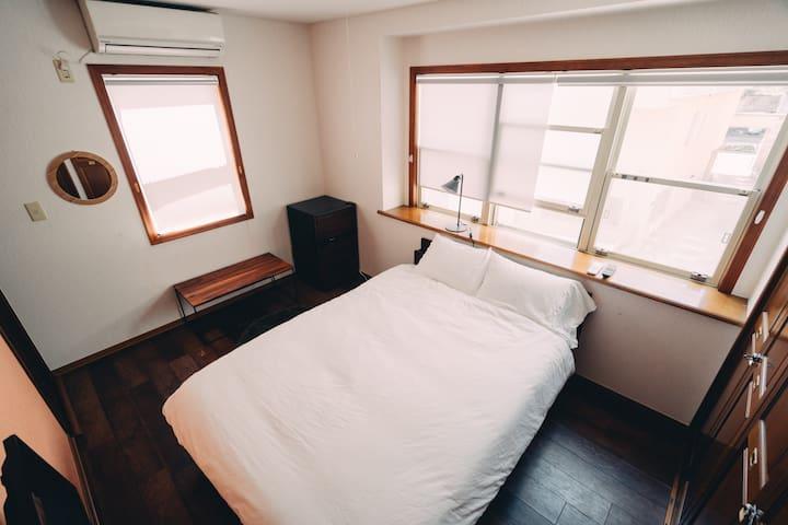【NEW】渋谷駅から徒歩10分★無料Wi-Fi付★#201個室ダブルルーム★