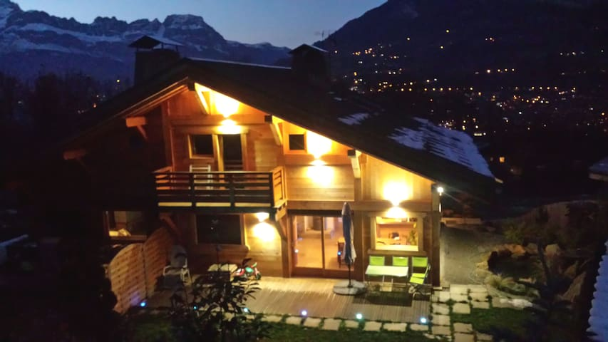 Semi-detached newly built chalet of 110m²