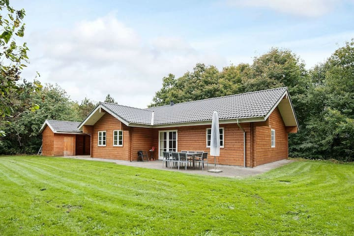 Spacious holiday home in Toftlund with Whirlpool