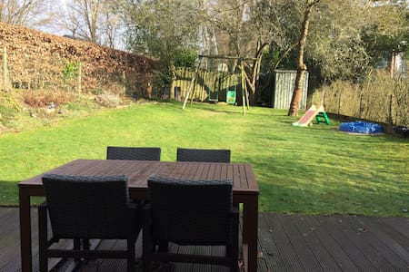 Bright family place with garden - Overijse - Haus
