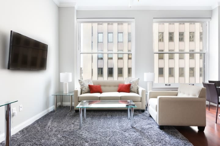 Beautifully Furnished 1 BR in Pittsburgh + Gym!