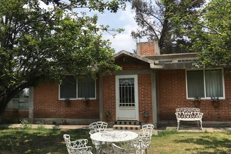 Casa rústica para 9 personas - Amecameca  - บ้าน