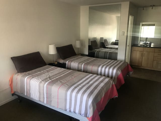 Cozy motel style room w/parking - South Lake Tahoe - Apartemen
