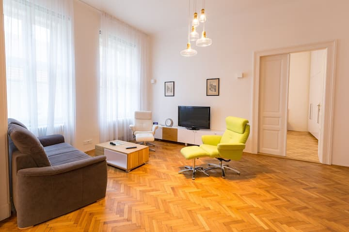 Spacious newly reconstructed apartment (120m2)