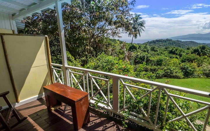 Ensuite Double in tranquil private Birding Hotspot