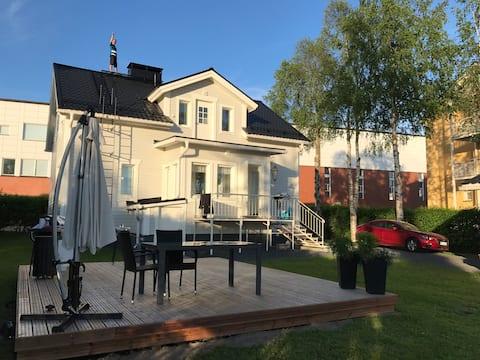 Moderni juuri remontoitu talo Tornion keskustassa