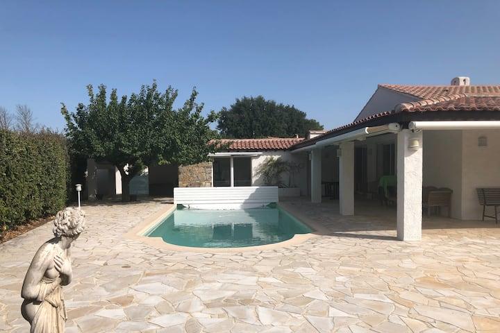 Villa indépendante, Piscine privée, grand jardin