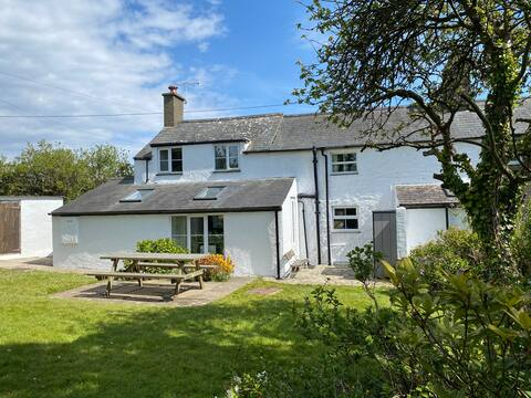 Family cottage near Abersoch and beaches