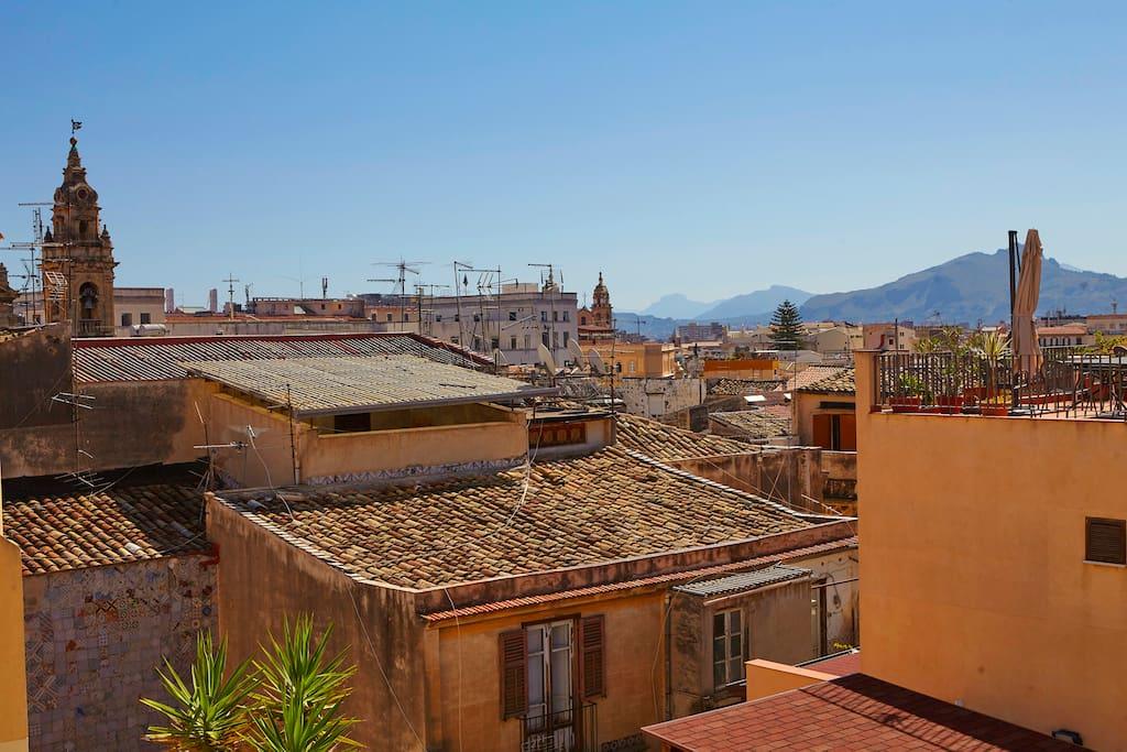View on the Old town's roofs/ Vista della città antica