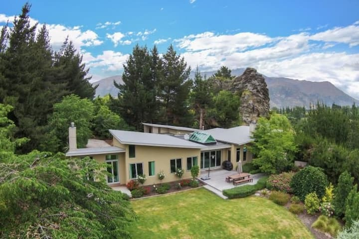 Queenstown Luxury Holiday Home