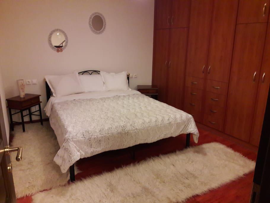 Διπλο κρεβατι 2ο υπνοδωματιο