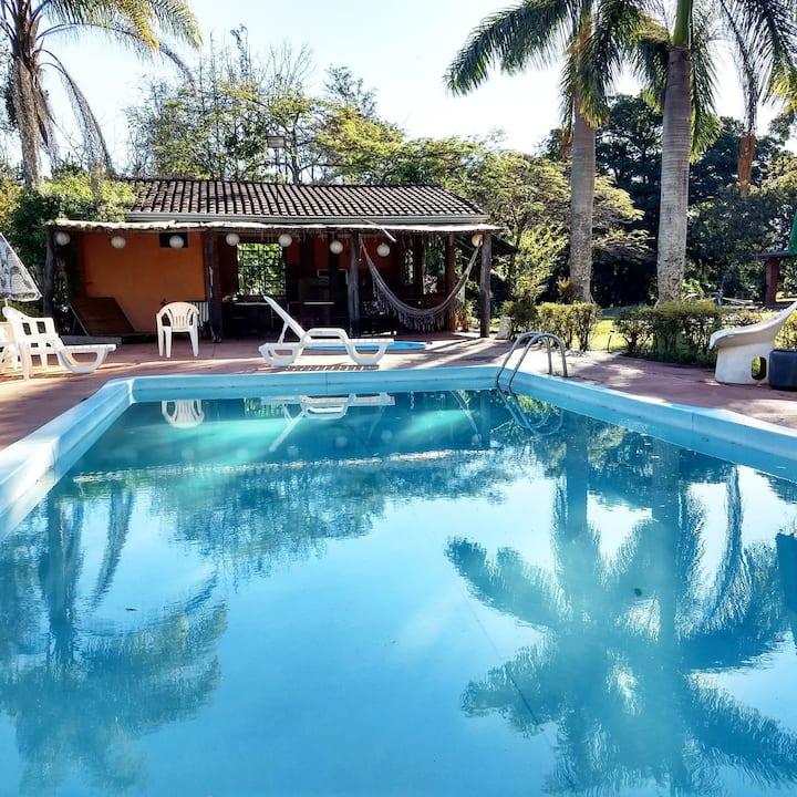 Pousada Chácara Rama, piscina-natureza-espaçozen