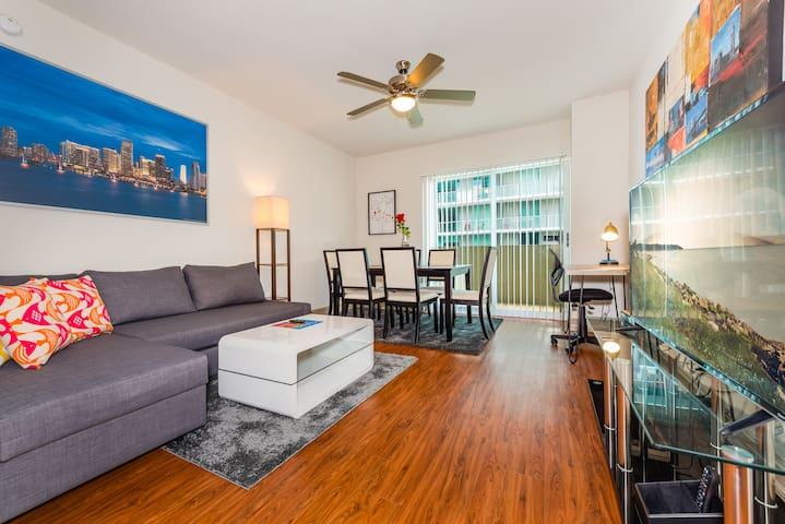 (80% Price Reduction!) - Beautiful Brickell Miami 2BR/2BA - Penthouse Unit (CD2)