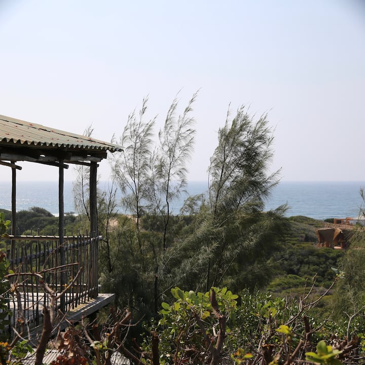 Tree House Villa, Ocean Views, Easy Beach Access