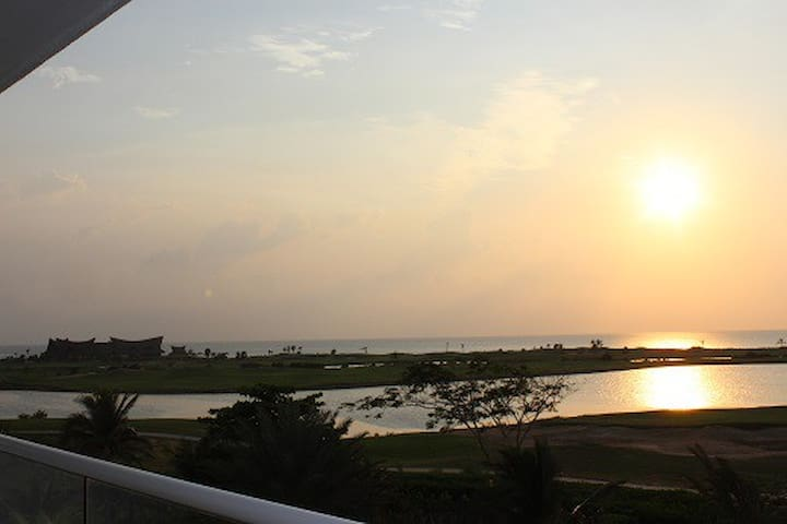 Spectacular Views -Karibana Beach Condo- Cartagena