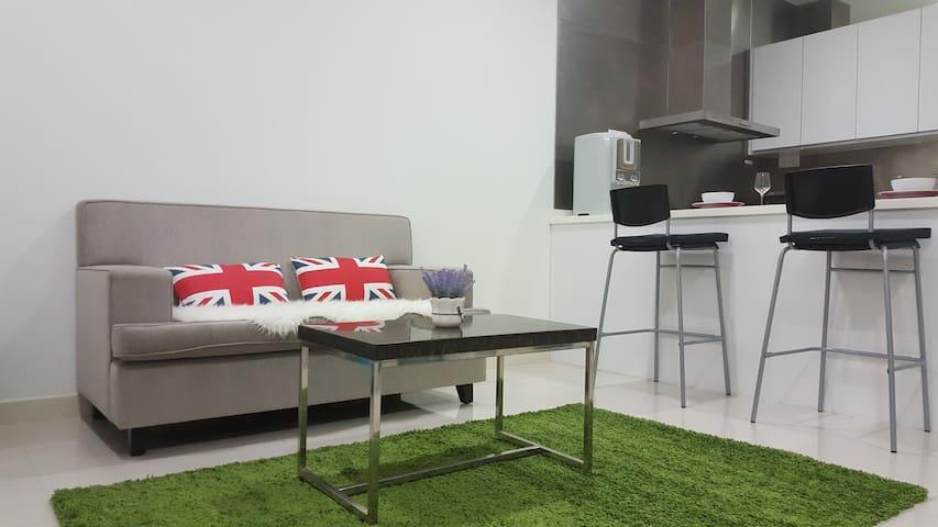 Urban brand new Studio Suites/5 mins to Midvalley! - Kuala Lumpur - Apartemen berlayanan