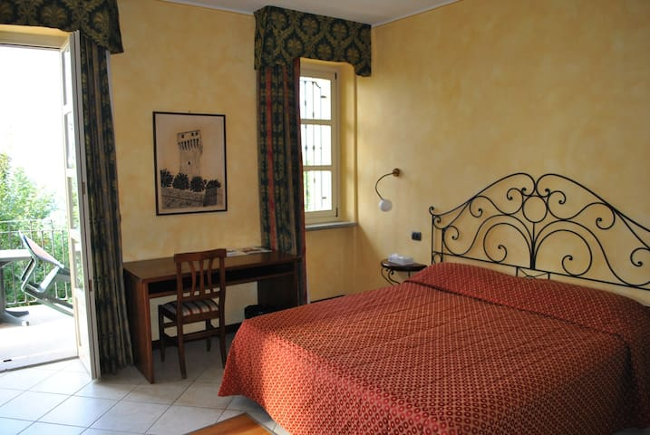 Apartment for 2+2 persons with pool R32441