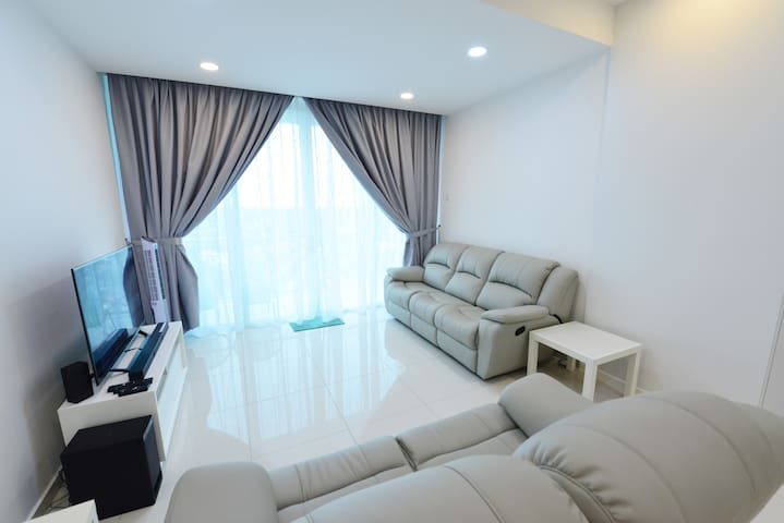 Cloudview:Comfortable*6-8pax *WIFI*Swimming Pool