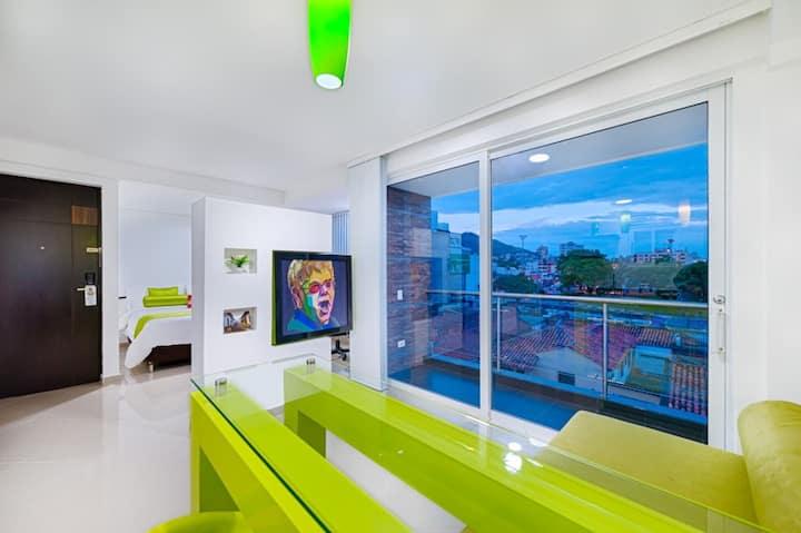 Loft estilo Pop Art con Balcón