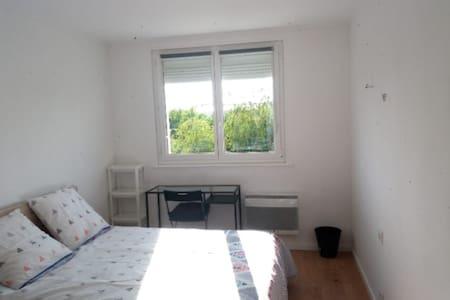 Chambre à louer à Saint-Brieuc