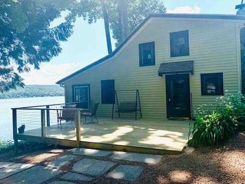 Peaceful  Cottage on Owasco Lake