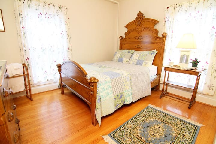 The Esopus - Cozy B&B Room w/Shared Bath - Windham - Bed & Breakfast