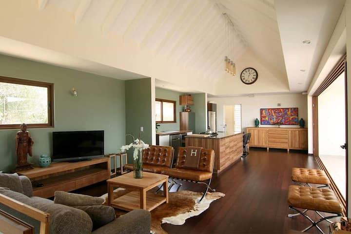 Salt Lake-Ocean - View Design Villa & private pool