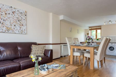 Nook Cottage, East Thorne, Bude