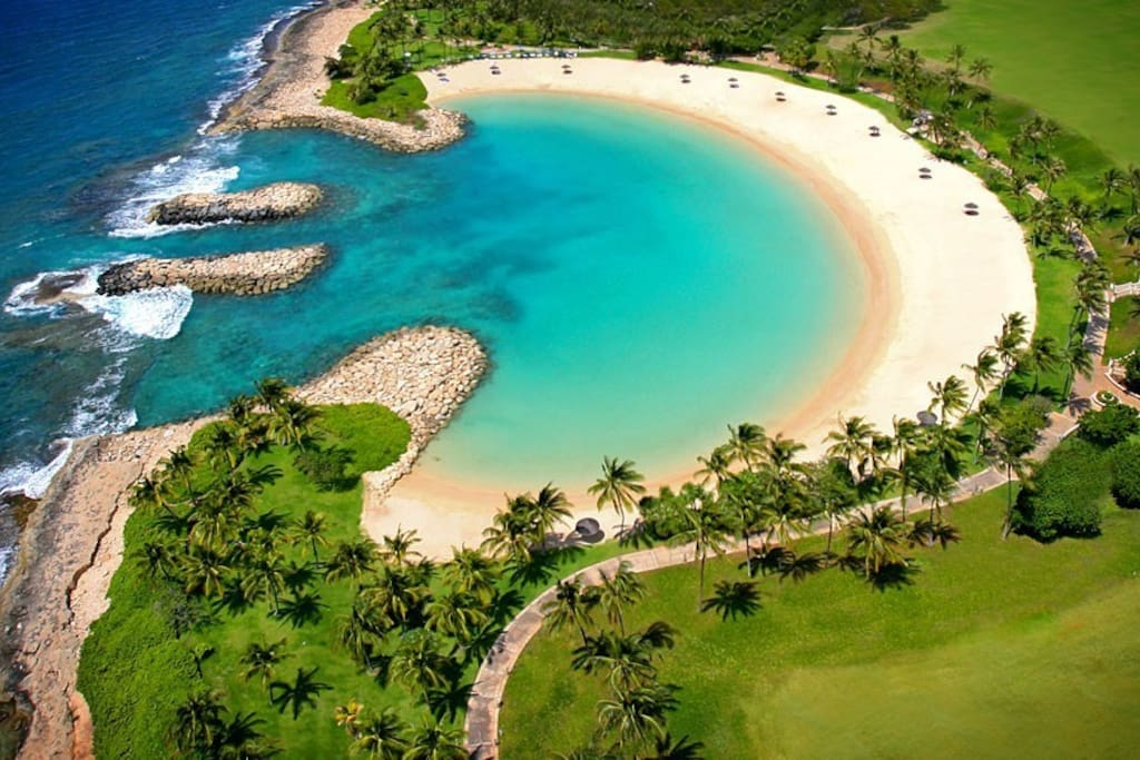 1 of the 4 absolutely beautiful lagoons in the Ko Olina Resort!