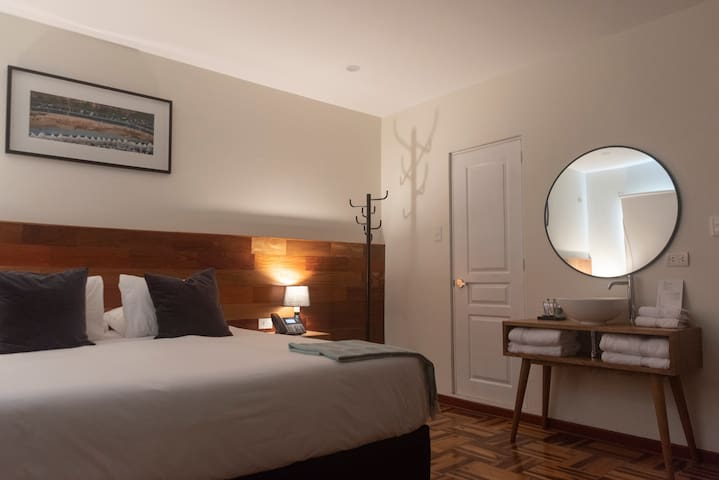Private King/Twin Room w/view - LIMA 18 Boutique