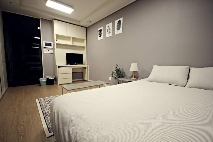 #3 COZY HOUSE, 깨끗하고 아늑한 집/터미널 1분 거리/출장/휴가