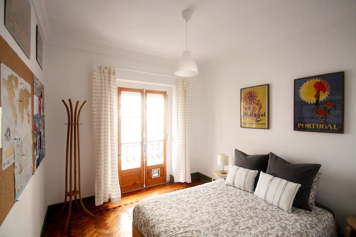 HS22 Central Anjos Apartment, perfect for families