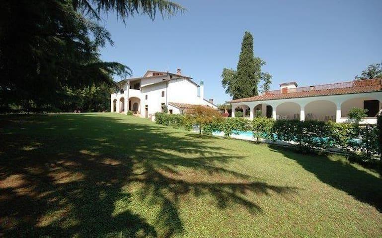 Villa Deodara - Cerretti - Casa de campo