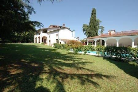 Villa Deodara - Cerretti - Willa