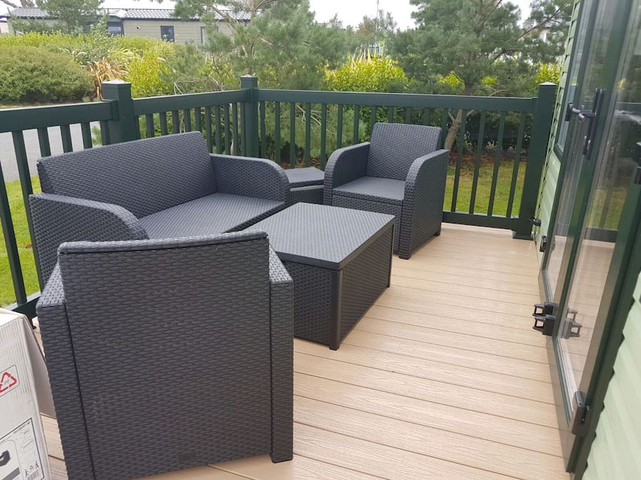 outside seating on the deck