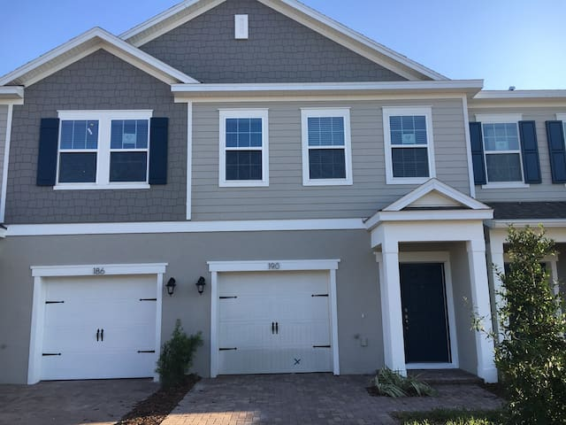 Town home in Oviedo