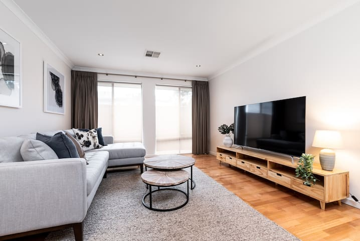 Swan Valley, 2 bedroom newly furnished home