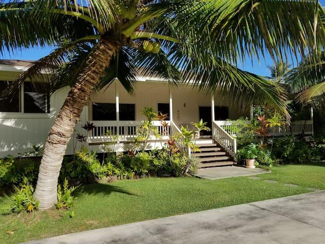 Hauula Ohana House - Paradise on a one acre estate