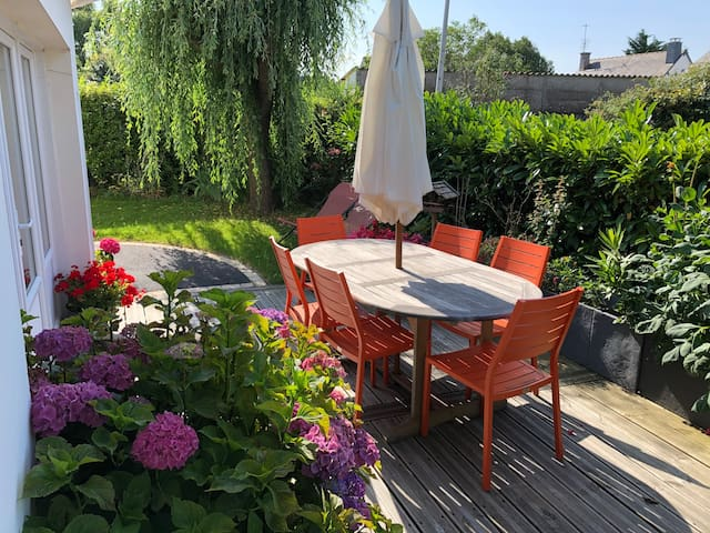 Maison & Jardin en plein centre du village